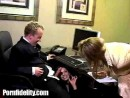 caught-getting-CFNM-blowjob-from-office-assistant