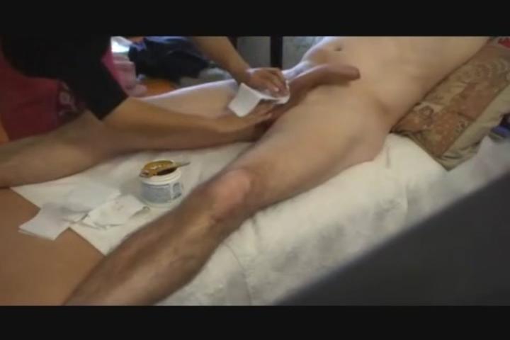 Amateur women shaving mens balls