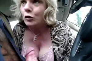 Amateur MILF Jasmine blows her playmate in public carpark