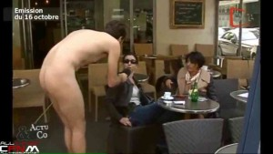 French reporter conducts CFNM interviews in streets about public nudity