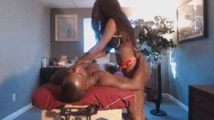 Beautiful big booty black masseuse rubs down hung client