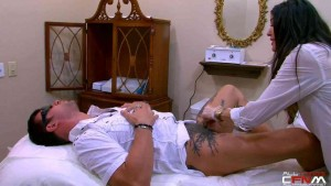 Gigolos - S02E04 Brace and Nick get waxed by hot esthetician9d